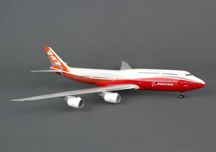 Boeing 747-8 Rollout Livery With Gear, No Stand (1:200)