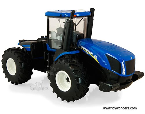 New Holland T9.560 Farm Tractor (1/32 scale diecast model, Blue)