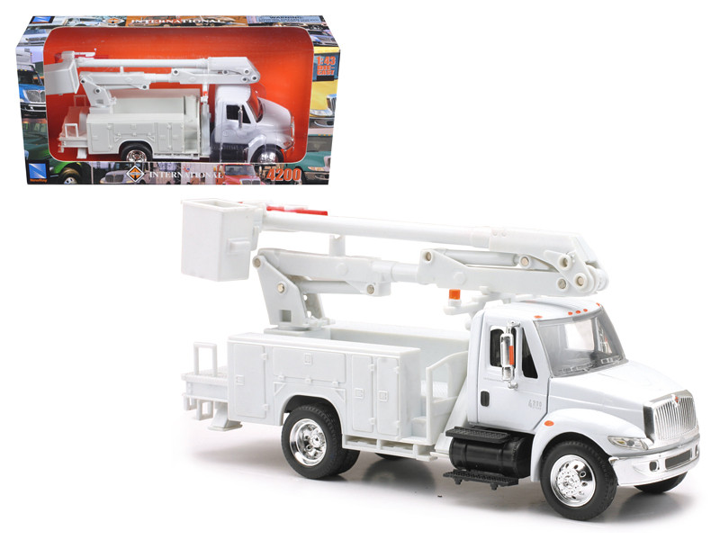 International 4200 Line Maintenance Truck (1:43) Model