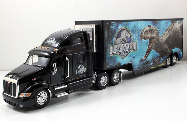 Jurassic World - Peterbilt Model 387 Long Hauler -Scale is approximate (1:32)