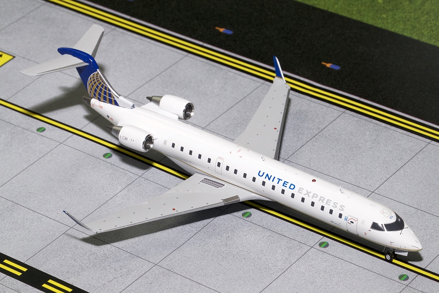 United Express CRJ-700 N514MJ (1:200) - Preorder item, Order now for future delivery