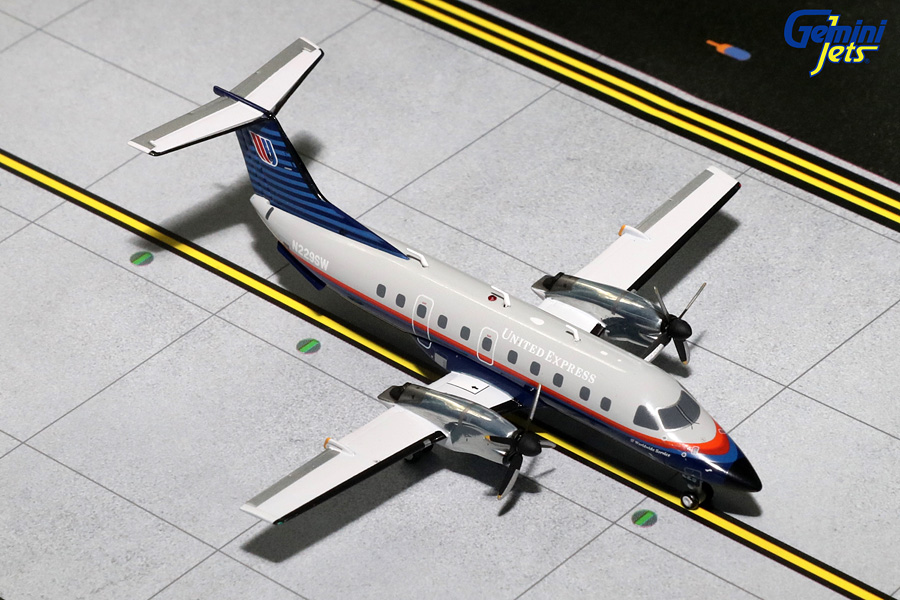 United Express EMB-120 Brasilia, Grey Livery N229SW (1:200) - Preorder item, order now for future delivery