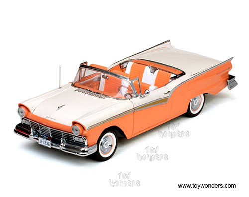 Ford Fairlane 500 Skyliner Convertible (1957, 1/18 scale diecast model car, Coral sand/Colonial white)
