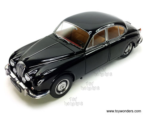 Daimler V8 - 250 Hard Top (1967, 1/18 scale diecast model car, Black)