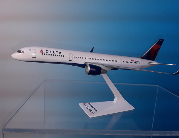 Delta B757-200 07-Current Livery (1:200), Flight Miniatures Snap-Fit Airliners, Item Number BO-75720H-061
