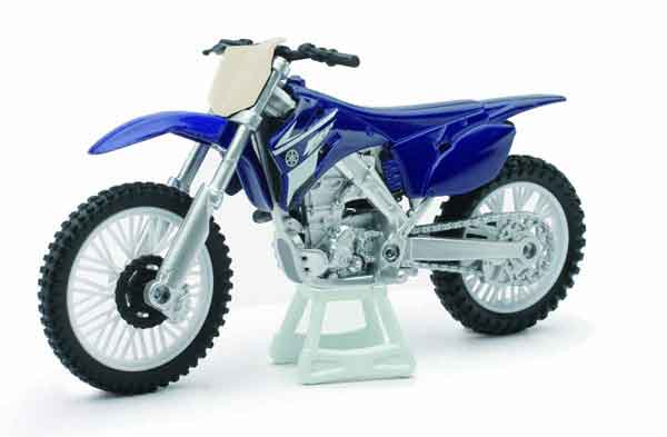 Yamaha YZ 450F in Blue (1:18), New Ray, Item Number NRAS-67013-F