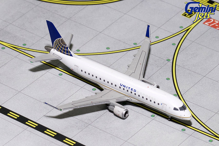 United Express ERJ-175 N163SY (1:400) - Preorder item, order now for future delivery